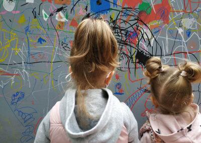 Η ζωγραφική μας φέρνει πιο κοντά